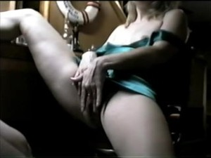 HIDDEN VHS CAMCORDER CATCHING HOT BLOND..