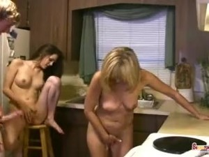 Momr and Daughter have a Threesome