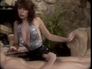 Vintage MILF Janey Robbins dominates Tom..